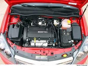 2008 Saturn Astra Engine