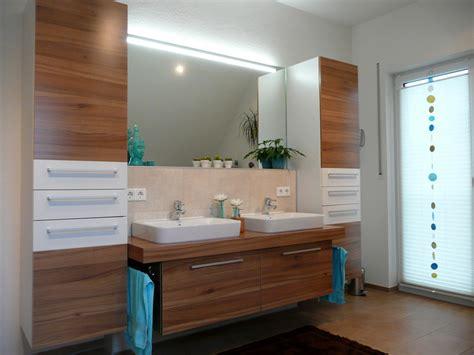 Badezimmermöbel Holz Weiss Rheumricom