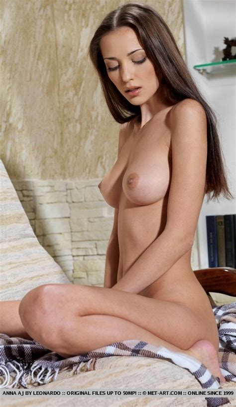 Nude Secretary Photo Gallery