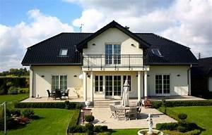 Luxus Bungalow Bauen : 4 familienhaus bauen fertighaus format 5 480 von favorit ~ Lizthompson.info Haus und Dekorationen