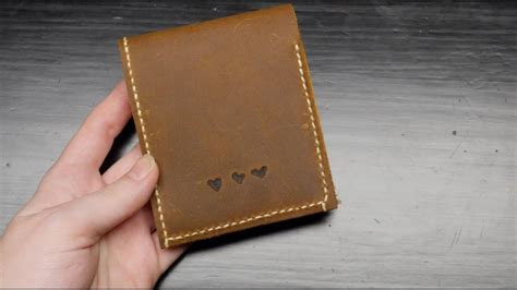 Diy Leather Wallet // Becky Stern Diy Mosaic Patio Table Top Protein Skimmer Nano Alice In Wonderland Crafts Bedroom Ideas Easy Dead Nurse Costume Room Decor Fall Fence Plans Carnival Decorations