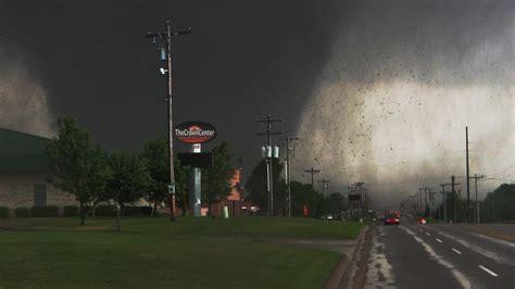 Moore Oklahoma EF-5 Tornado Video! 5/20/13 - YouTube
