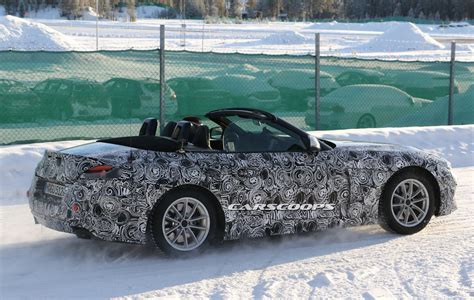 Bmw Z5 Feeling Naughty, Gets Photographed With Top Down
