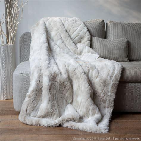 plaids fausse fourrure pour canapé plaid fausse fourrure loup blanc 140x180cm
