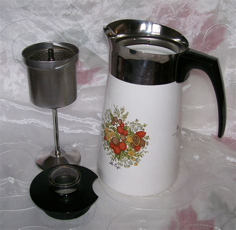 Remember the longer you percolate it, the stronger the coffee will be. Vintage Corning SPICE OF LIFE Stove Top 10 Cup Coffee Pot / Percolator P149- EUC - Corning Ware ...