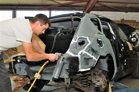 How To Find A Reliable Auto Body Shop  Hopkins Auto Body