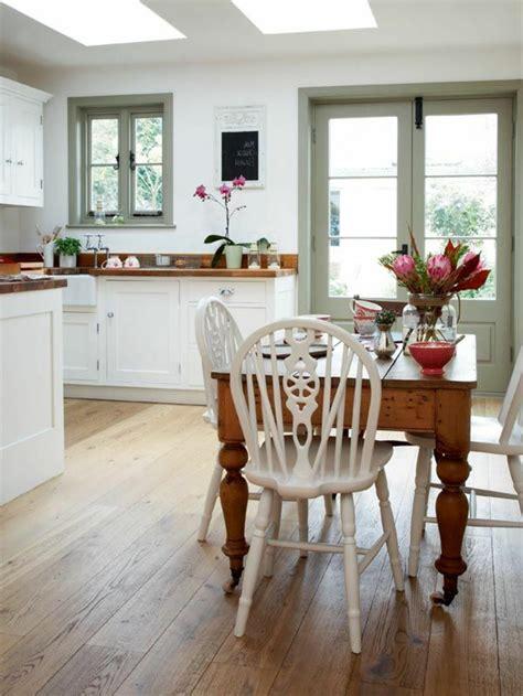 repeindre une cuisine en bois massif cuisine bois couleur armoire de cuisine en bois