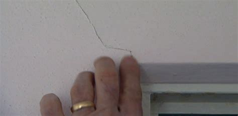 filling hairline cracks in ceiling do cracks in walls indicate a structural problem today
