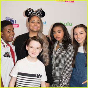 'Raven's Home' Cast Races To 'Cars 3′ Premiere at ...