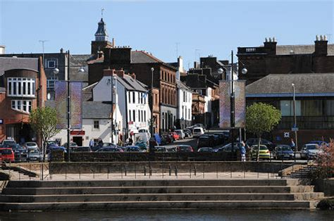 Dumfries Feature Page on Undiscovered Scotland