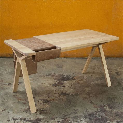Design Schreibtisch Holz by Bolsa Designer Schreibtisch Aus Holz Mit Tasche Als