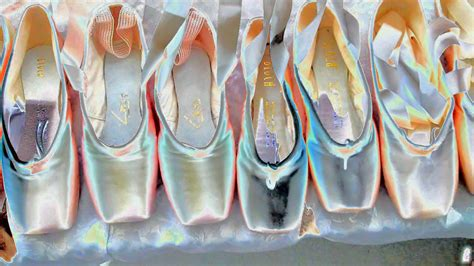 """Accessorize your phone with the lovely ballet shoes live wallpaper for girls. Dear Ones Healing Ministry: """"Incredible: 'Platinum Points' --FREE Ballet Pointe Shoe Pics ..."""