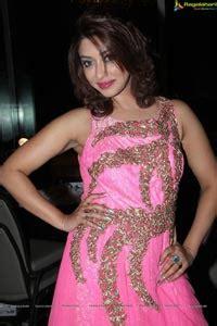Exclusive Photos: Payal Ghosh at GR8! Women Awards 2014 ...