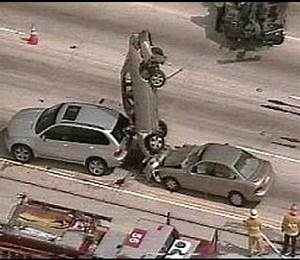 Funny Images of Some Car Crashes - Mast Pics