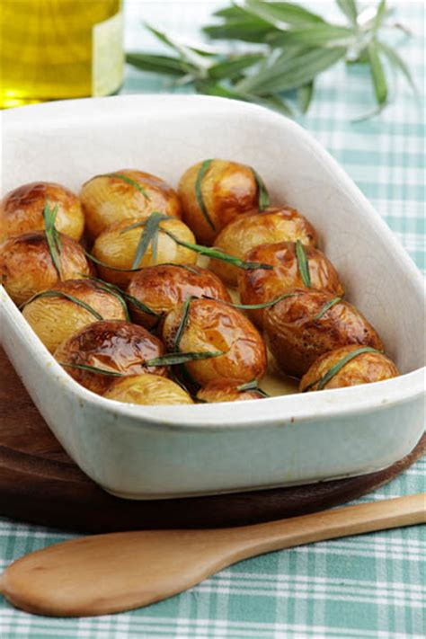 cuisiner pommes de terre nouvelles cartofi copţi cu rozmarin retete culinare romanesti si