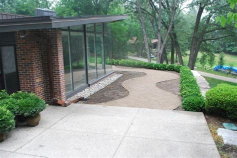 decomposed granite transition to existing concrete
