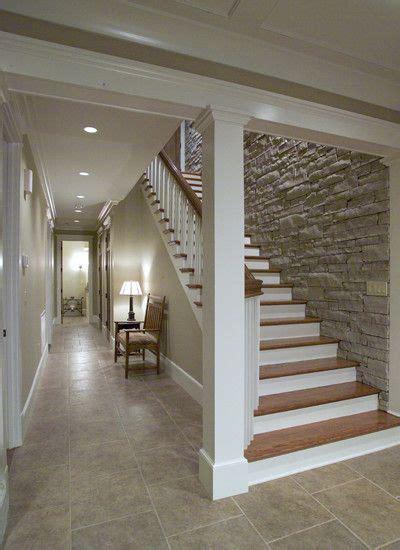 escaleras  paredes de piedra