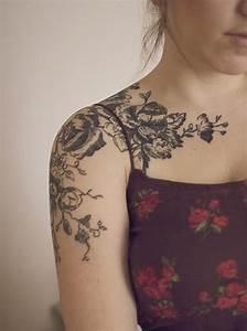 Tattoos Schulter Oberarm Frau : 40 schulter tattoo ideen f r m nner und frauen tattoos tattoo ideen schulter tattoo und ~ Frokenaadalensverden.com Haus und Dekorationen