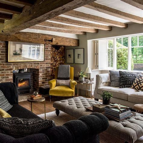 Country Living Room Ideas With Fireplace by Best 25 Cottage Interiors Ideas On Cottage