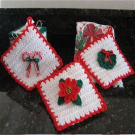 easy crochet christmas crafts penelope s pretty petunia potholder favecrafts
