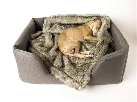 'wolf Grey' Faux-fur Dog Blanket Cotton Yoga Blankets How To Make Patchwork Blanket Reviews Of Electric Crochet Squares For A Baby Monogrammed Wicker Boxes Order Agreement Beginners Video