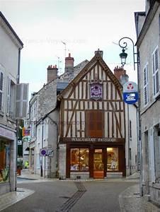 Meug Sur Loire : meung sur loire shops and houses of the city the happy traveller pinterest shops the o ~ Maxctalentgroup.com Avis de Voitures