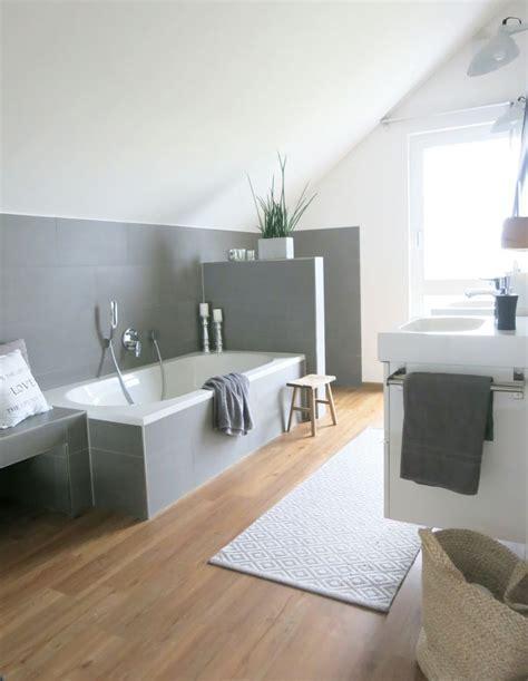 Holzboden Im Badezimmer by Die Besten 25 Bad Fliesen Ideen Auf Bad