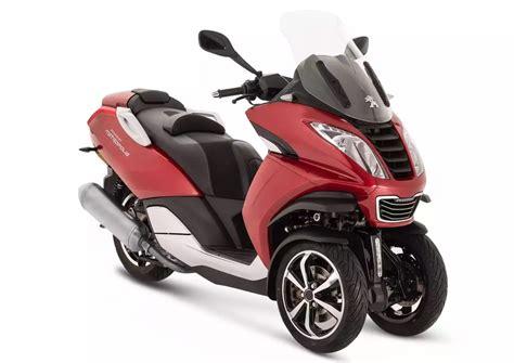 peugeot 3 roues nouveaux coloris pour le scooter 3 roues peugeot metropolis