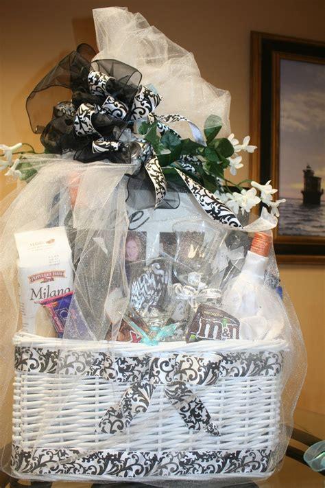 bridal gift basket     bridal gift baskets