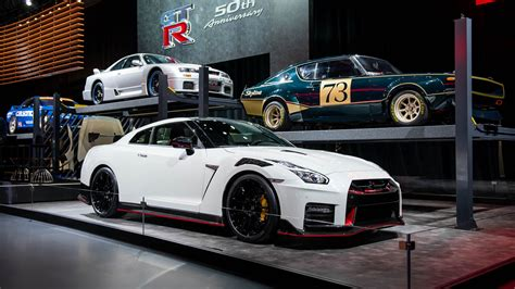 Nissan 2020 Gtr by 2020 Nissan Gt R Nismo Goes On A Carbon Fiber Diet