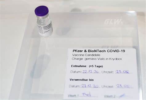 Ninety-year-old woman first in Switzerland to get COVID-19 ...