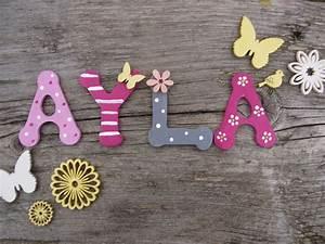 Buchstaben Für Kinderzimmertür : holzbuchstaben kinderzimmer vogelhaus zur hochzeit von original vogelliebe ~ Orissabook.com Haus und Dekorationen