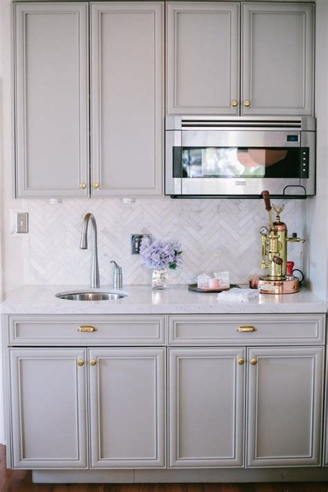 light grey kitchen cabinets with gold hardware best 25 light gray cabinets ideas on gray
