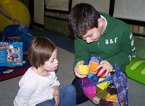 Toy Libraries: A Place to Play | American Libraries Magazine