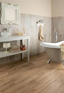 Wood look tiles for Wood tiles bathroom