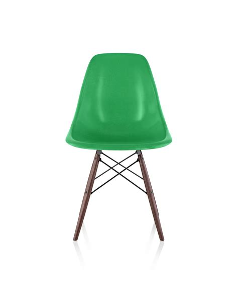 eames molded fiberglass dowel base side chair