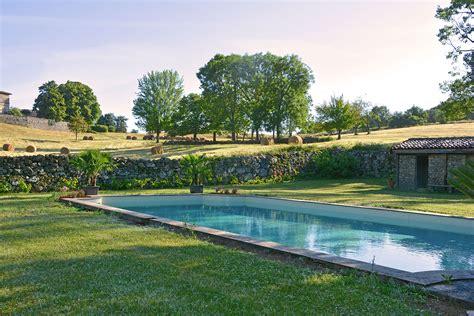 chambre d hote cabourg piscine chambre d 39 hôtes luxe et piscine château du besset ardèche