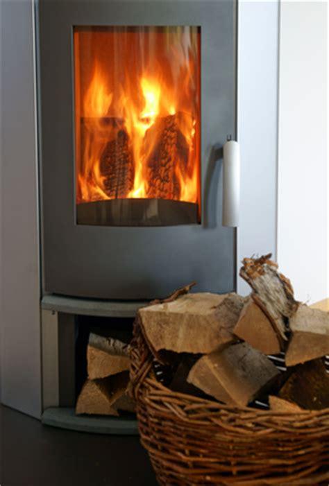 Tipps Kaminofen Richtig Befeuern by News Richtig Heizen Mit Holz Was Sollten Sie Beachten