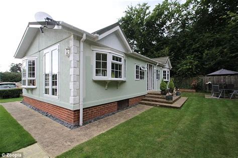 Mobile Garage Bracknell by Property Prices Of Mobile Homes Reach 163 500k Daily Mail