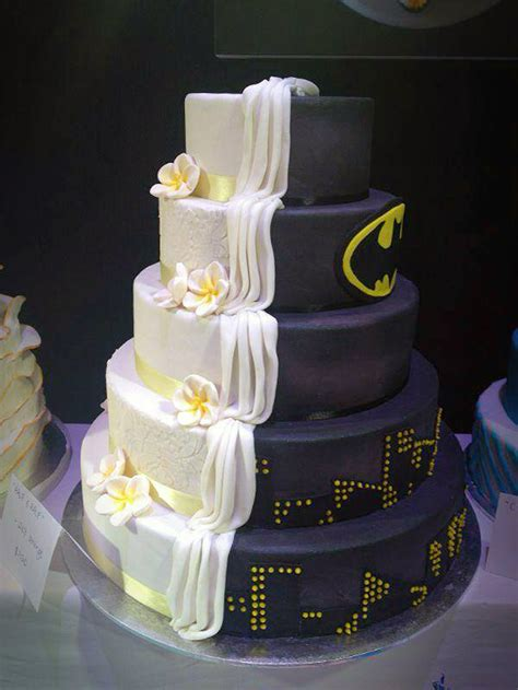 split cake design   batman themed  ordinary