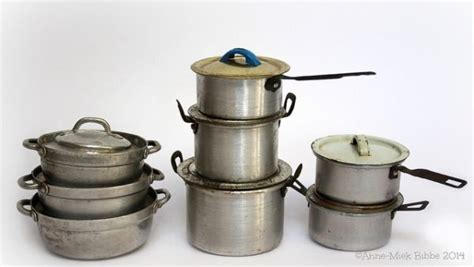How to Recycle Your Old Cookware   Earth911.com