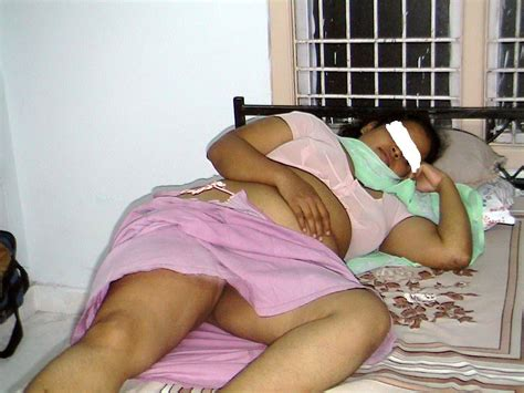 Aunty Sleeping Gaand Pic In Salwar