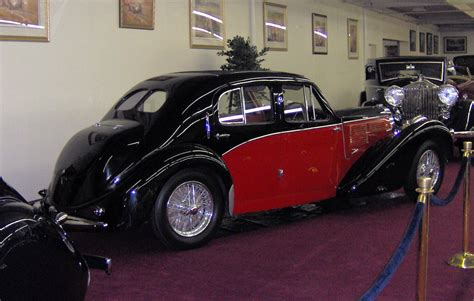 The galibier befitted from all the type 57 engineering. File:1939 Bugatti Type 57C Galibier Saloon rear.JPG - Wikimedia Commons