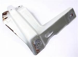 Lh Fender Mount Support Bracket 99