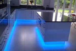 que connaissez vous du ruban led tgs electricite With carrelage adhesif salle de bain avec comment installer ruban led plafond