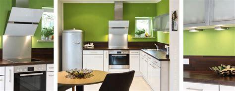 Grüne Wandfarbe Küche by Kueche Renovieren Oder Neue Kueche