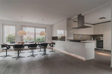 Offene Küche Wohnzimmer by Moderne Wohnzimmer Mit Offener K 252 Che Haus Design Ideen