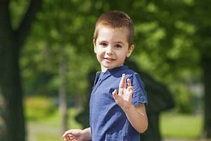 5 MANNERS WE FORGET TO TEACH OUR KIDS - Kids Activities