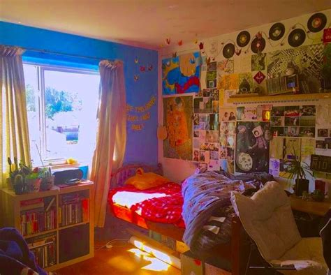 If you notice the hug picture of the. *candyapplebeez* in 2020 | Indie room, Dreamy room ...