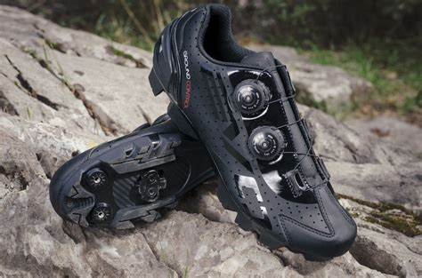 motorcycle bike shoe bh steps out with new evo s lite lite shoes for both